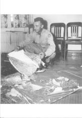 (FILES) This photo dated June 1947 shows Major Jesse Marcel from the Roswell Army Air Field with debris found 75 miles north west of Roswell, NM. The debris has been identified as that of a radar target. The Air Force released a report 24 June debunking reports of a UFO crash near Roswell, NM, in 1947. == B/W ONLY ==/(FILES) This photo dated June 1947 shows Major Jesse Marcel from the Roswell Army Air Field with debris found 75 miles north west of Roswell, NM. The debris has been identified as that of a radar target. The Air Force released a report 24 June debunking reports of a UFO crash near Roswell, NM, in 1947. == B/W ONLY ==