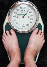 HAARLEM - Weegschaal. De Tweede Kamer praat maandag over de beste manier om te dikke Nederlanders weer op gewicht te brengen. ANP XTRA KOEN SUYK