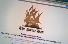 HAARLEM - Screenshot van de website van Pirate Bay. Een rechtbank in Stockholm heeft vrijdag de vier oprichters van de Zweedse internetsite The Pirate Bay veroordeeld tot een jaar gevangenisstraf. De rechter stelt dat het Zweedse viertal schuldig is aan het bevorderen van de uitwisseling van muziekbestanden en speelfilms waarop auteursrechten rusten. ANP KOEN SUYK