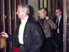 STO03-20001011-STOCKHOLM, SWEDEN: Agnetha Faltskog (C), former member of Swedish pop group ABBA, leaves Solna courthouse just after a hearing with her stalker and former Dutch boyfriend in court in Stockholm on Wednesday 11 October 2000. Other persons are unidentified. EPA PHOTO PRESSENS BILD/SAULI PULKKINEN