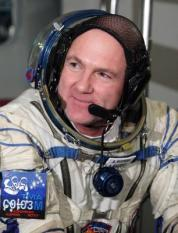 epa03019380 Member of the next expedition to the International Space Station, Dutch astronaut Andre Kuipers seen before the final test in Star City Cosmonaut Training Centre outside Moscow, Russia 30 November 2011. The lauch of the mission is scheduled for 21 December 2011.  EPA/MAXIM SHIPENKOV