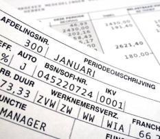 CAPELLE AAN DE IJSSEL - Een loonstrookje van januari 2012. Ondanks de economische crisis houden de meeste werknemers volgens salarisverwerker ADP maandelijks een hoger nettobedrag over op hun loonstrookje. ANP XTRA LEX VAN LIESHOUT