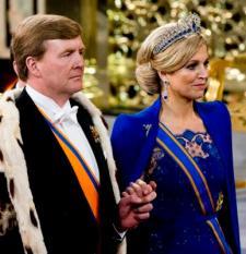 AMSTERDAM - Koning Willem-Alexander en koningin Maxima verlaten de Nieuwe Kerk na de inhuldiging. POOL/ ANP ROYAL IMAGES ROBIN UTRECHT