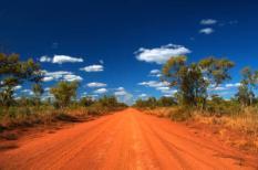 Een typische weg in de deelstaat Northern Territory in Australië.