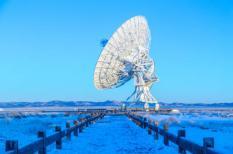 Radioantenne schotels van de Very Large Array radiotelescoop in New Mexico.