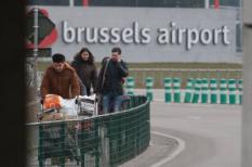 Passagiers en medewerkers worden geevacueerd uit de terminal na de explosies bij luchthaven Zavetem Brussel.