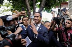 2019-05-03 18:44:05 epa07545626 President of the Venezuela's National Assemble, Juan Guaido, arrives for a press meeting at the headquarters of the 'Un Nuevo Tiempo' party in Caracas, Venezuela, on 03 May 2019. Guaido speaks about the political situation of the country after the demonstrations against the Government of Nicolas Maduro on 30 April.  EPA/PAULO CUNHA