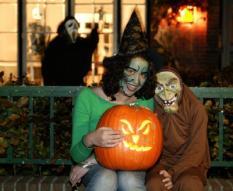 NLD-20041021-DEN HAAG: Viering van Halloween in Den Haag.ANP FOTO/KOEN SUYK