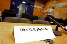 HAARLEM - De gereserveerde plek voor Willem Holleeder donderdagochtend in de rechtbank op Schiphol-oost. Willem Holleeder en zes medeverdachten verschijnen donderdag in een pro formazitting voor de rechtbank in Haarlem. De 47-jarige Amsterdammer, bijgenaamd De Neus, zou volgens anonieme getuigen aan het hoofd hebben gestaan van een afpersingsorganisatie. ANP PHOTO JUAN VRIJDAG