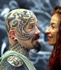 AMSTERDAM - In de Amsterdam Rai begint vrijdag de vierde editie van de Amsterdam Tattoo Convention 2007, met artiesten uit Japan, China, Vietnam, Nieuw-Zeeland en Australie. De Tattoo Convention 2007 duurt tot en met zondag 10 juni. ANP PHOTO UNITED PHOTOS TOUSSAINT KLUITERS
