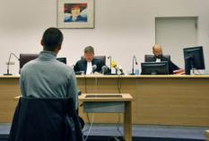 ROTTERDAM - In de rechtbank in Rotterdam is vrijdag de uitspraak inzake het kunstwerk Geert Wilders van Jonas Staal (foto). Staal wordt aangeklaagd door de Nederlandse Staat voor bedreiging met de dood van een lid van de Staten Generaal. De eis is een taakstraf van 240 uur en zes maanden voorwaardelijk. ANP PHOTO ED OUDENAARDEN