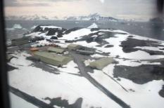 ANTARCTICA - Het onderzoekcentrum Rothera op Antarctica, waar Prins Willem Alexander, prinses Maxima en minister Ronald Plasterk komend weekend zullen verblijven. Prins Willem-Alexander en prinses Máxima brengen komend weekeinde een bezoek aan Antarctica, de Zuidpool. Minister Ronald Plasterk (Wetenschap) en voorzitter Jos Engelen van de Nederlandse Organisatie voor Wetenschappelijk Onderzoek (NWO) gaan mee.  ANP PHOTO COMM W. BOOT, IMAU, UU