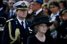 AMSTERDAM - Bij het Nationaal Monument op de Dam in Amsterdam wordt zondag door koningin Beatrix en prins Willem-Alexander een krans gelegd voor de gevallenen in de Tweede Wereldoorlog. ANP PHOTO ROYAL IMAGES OLAF KRAAK