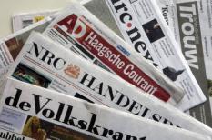 AMSTERDAM - De dagbladtitels van uitgeefconcern PCM. Volgens grootaandeelhouder Stichting Democratie en Media (SDM) zijn de titels van PCM niet te koop. De schuldenlast van PCM bedraagt 120 miljoen euro. Eind 2009 moet die teruggebracht zijn tot ongeveer 70 miljoen euro. ANP PHOTO XTRA KOEN SUYK